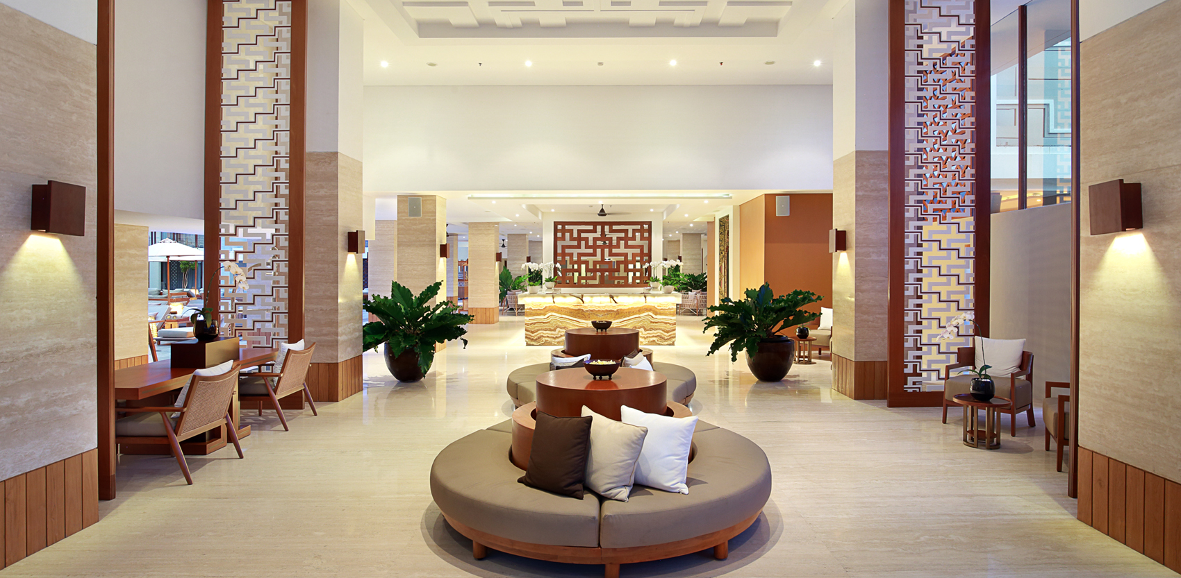 Lobby Hotel at The Bandha Hotel & Suites